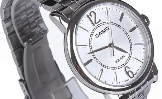 卡西欧石英男士手表:矿物玻璃表面防刮耐磨,50米生活防水