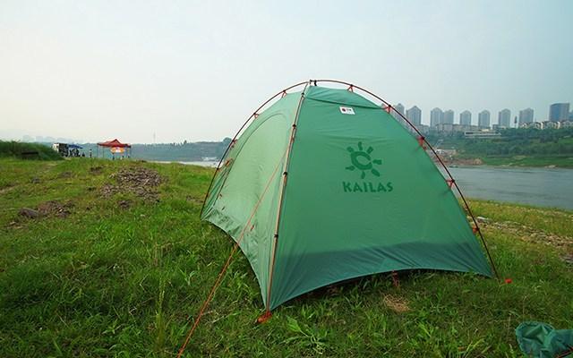 野外露营也能遮风挡雨,凯乐石天穹四季帐体验 | 视频