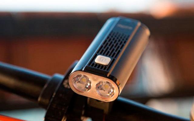超长距离户外骑行利器,迈极炫自行车车灯评测