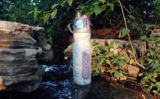 O2cool运动水壶:喷雾啜饮二合一,双层保冷设计