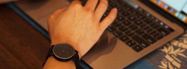 simpl反向无指针手表体验:手腕上的小心机,让你另类到底!