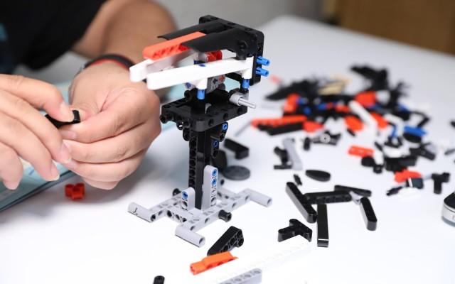 成就头号机械玩家,米兔积木动力机械开箱体验