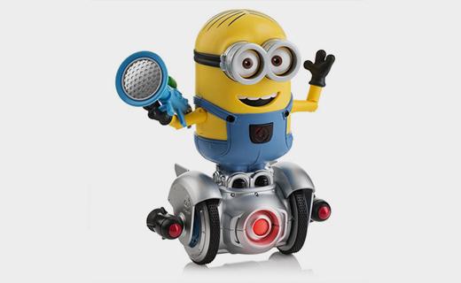 WowWee小黄人机器人:140种原创短语,多种手势可玩性极高