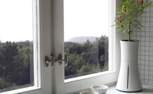 智能花盆帮你轻松养植物,一个月不用浇水