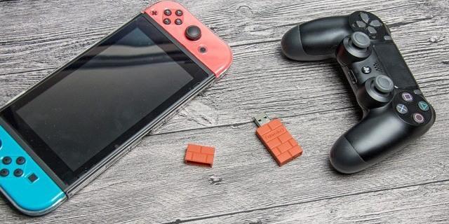 有了这小东西,我可以用PS4手柄玩任天堂啦 — 八位堂USB无线接收器