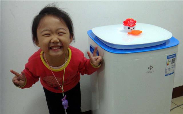 解放妈妈双手,宝宝衣物洗涤无残留:摩鱼智能母婴洗衣机体验