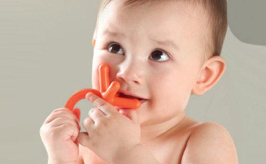 Comotomo牙咬胶:医用硅胶安全健康,磨牙期宝宝必备