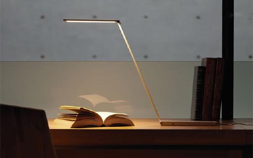 QisDesign Belight台灯:折叠仅有iPhone大小,平面光源均匀不刺眼