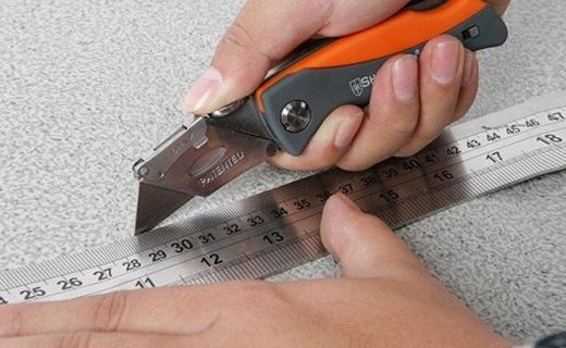 钢盾折叠刀:SK5高级碳素工具钢,锋利耐用更安全