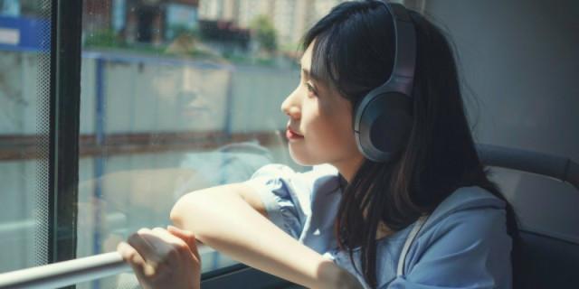 三频均衡 音质饱满,DJ听了想上天,索尼蓝牙降噪耳机体验