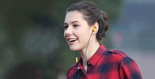 爱科技Y20U耳塞式耳机:轻量佩戴舒适,白菜价音质佳