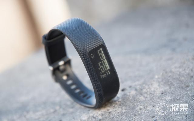 佳明(Garmin)Vivosmart3智能手环