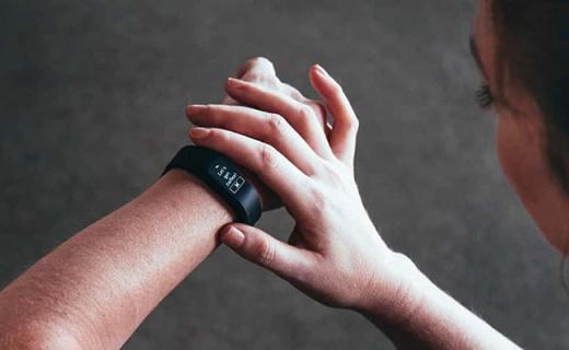 佳明最便宜的心率手环发布,运动时还能指导呼吸