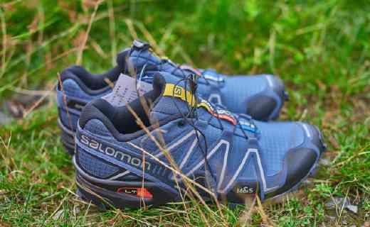 稳定保护双脚的越野跑鞋,防震防滑带我玩转山野