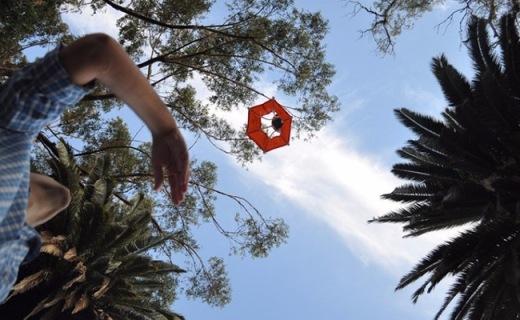 给GoPro穿上降落伞,不用无人机也能航拍