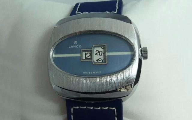 电影《头号玩家》里面出现的腕表,看一眼就感觉很有时代感