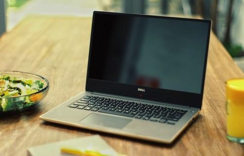 戴尔燃7000笔记本电脑:极窄边框显示出众,钻石切割机身坚固稳定
