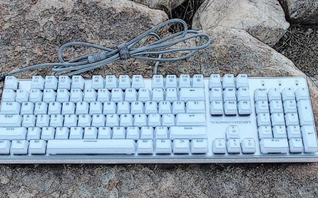 cherry青轴加持,良心细节完爆国外千元大牌 — 雷神白幽灵K7-PRO机械键盘体验