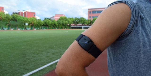精准测心率,超强适配无缝对接,Scosche Rhythm 24光电心率臂带体验