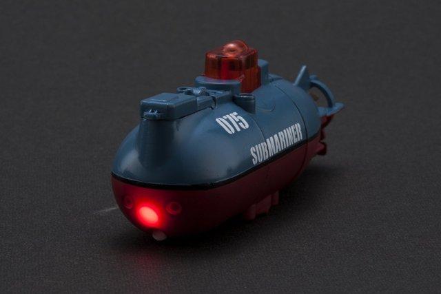 拇指大小世界上最小的潜水艇