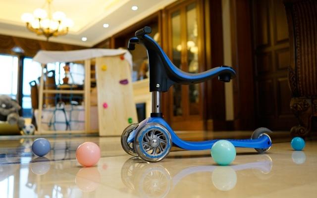 法国高乐宝四合一儿童滑板车,锻炼孩子的协调能力
