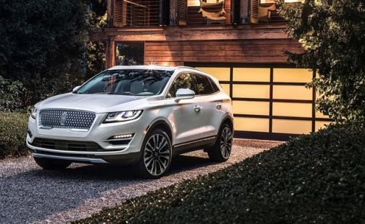 林肯全新中型SUV MKC发布,前脸大变样操作智能化