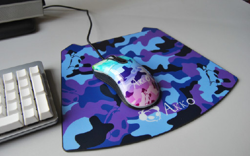 晒物 | 外设潮牌艾酷AKKO三张鼠标垫图赏+简评