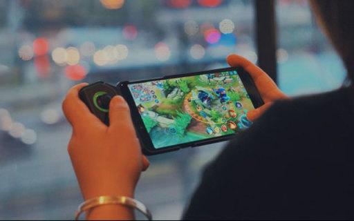 生为电竞的手机,让手游玩家笑开花,黑鲨游戏手机Helo体验