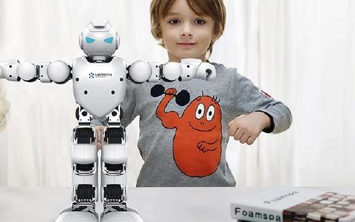 优必选Alpha 1P机器人,动作更灵活功能更强大