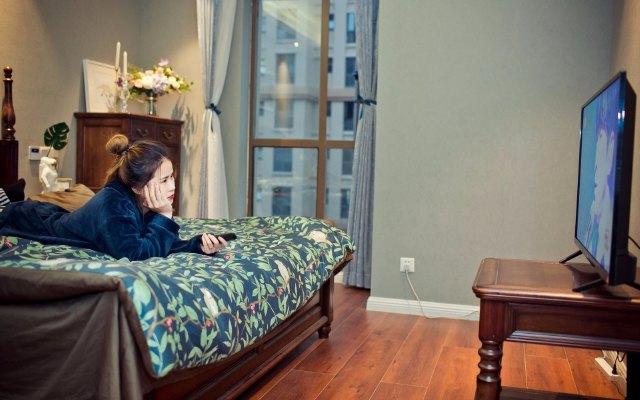 震撼音效,全高清显示,给我卧室视听新体验 — Infocus富可视智能电视评测