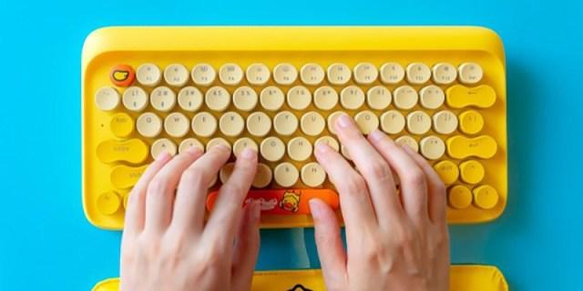 外观可爱小黄鸭,圆帽青轴复古风,洛斐圆点蓝牙机械键盘体验