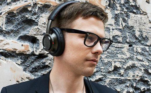飞利浦头戴式耳机:纯正原声低音好,柔软耳罩佩戴舒适