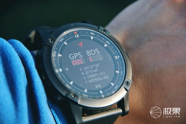 国产精品智能手表经典再升级—续航野兽,军拓铁腕5X户外手表