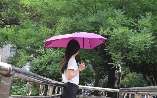 可防八级大风的senz雨伞,弱女子也能稳如泰山