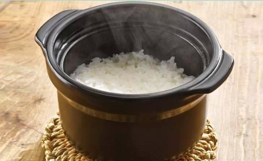 Hario陶瓷米饭锅:锁住水分不流失,煮出米饭更香软