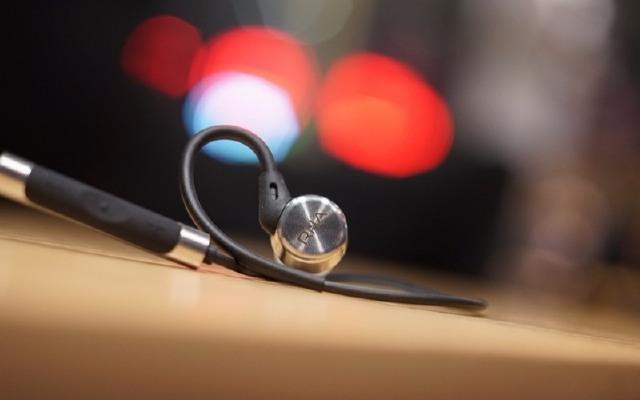 不锈钢做成耳机,天籁般音质让你一秒爱上它 — RHA MA750 Wireless入耳式耳机评测