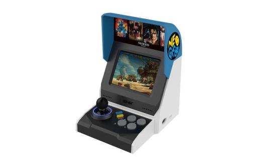 SNK发布40周年纪念款游戏机:内置40款游戏,重量仅600g