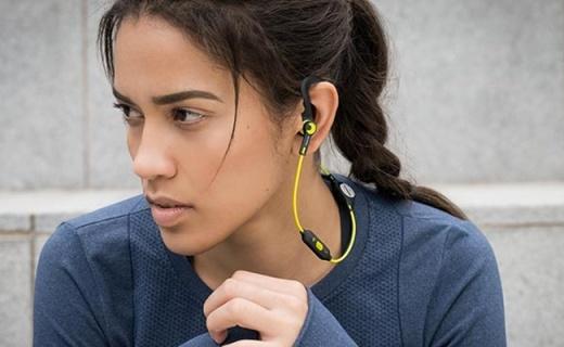 飞利浦SHQ7900运动耳机:佩戴轻盈不脱落,高性能震撼音质