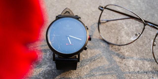 经典风格 智能扩展,机械计时艺术的智能表现 — 牛丁 城市商务 智能手表