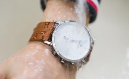 外形复古科技芯,防水智能商业范, NOERDEN智能手表测评
