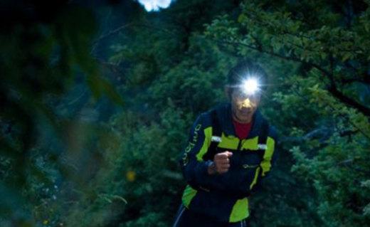 乐格氏60lumi LED头灯:续航可达60小时,高输出照明射程长