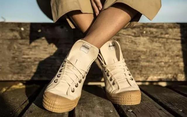 夏日必备の小众帆布鞋,时尚又百搭狂甩匡威 Vans几条街