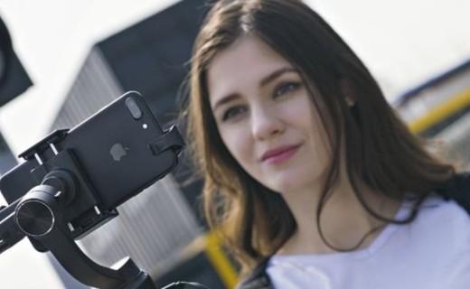智云手持云台稳定器:一键操控,满足手机视频拍摄需求