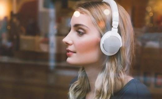 铁三角无线蓝牙耳机:多功能按键一触连接,震撼音效尽享音乐