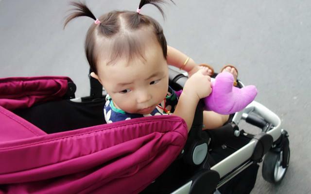 HBR虎贝尔T1儿童推车评测:推车中的法拉利,二胎妈妈的溜娃神器
