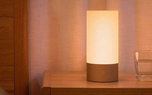 1600万种灯光颜色,送给我来自千里外的温暖 — 米家床头灯体验 | 视频