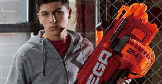 孩之宝 MEGA系列软弹枪:安全橡胶弹头,霸气外形让你体验不一样的枪战乐趣