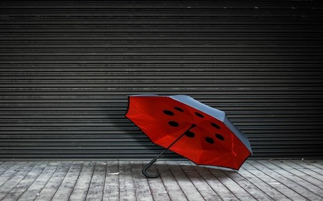 Ideashow反向晴雨伞:晴天打不热,雨天打不湿 | 视频