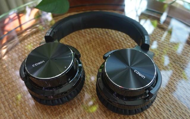 给你一个安静角落,价格实惠颜值高 — 魅动E7 Pro蓝牙降噪耳机