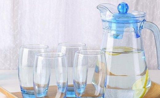 Luminarc水具5件套:环保材质健康安全,鸭嘴设计时尚美观